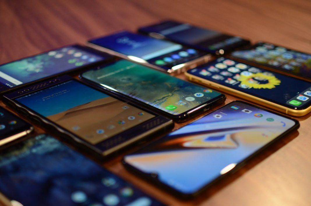 smart-phone-pliable-flex